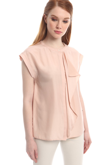 Silk top with flounce Intrend