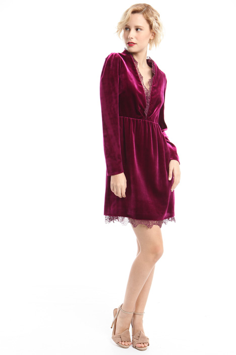 Shimmering velvet dress  Intrend