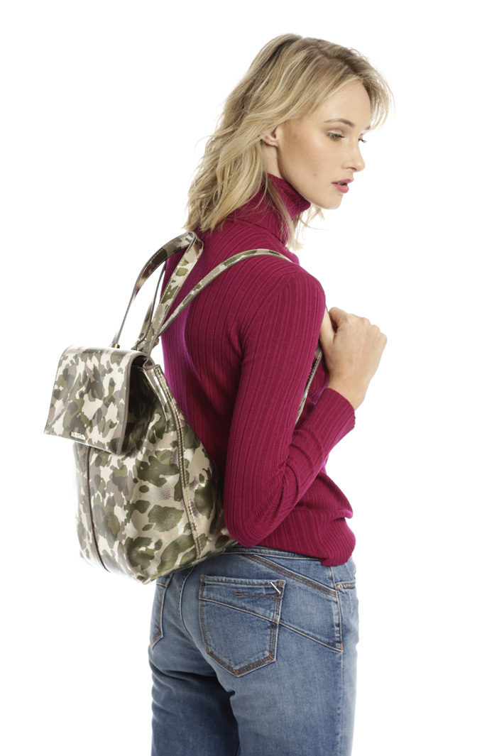 Laminated leather backpack Diffusione Tessile