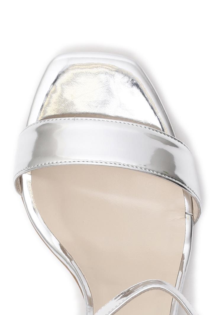 Sandalo laminato Intrend