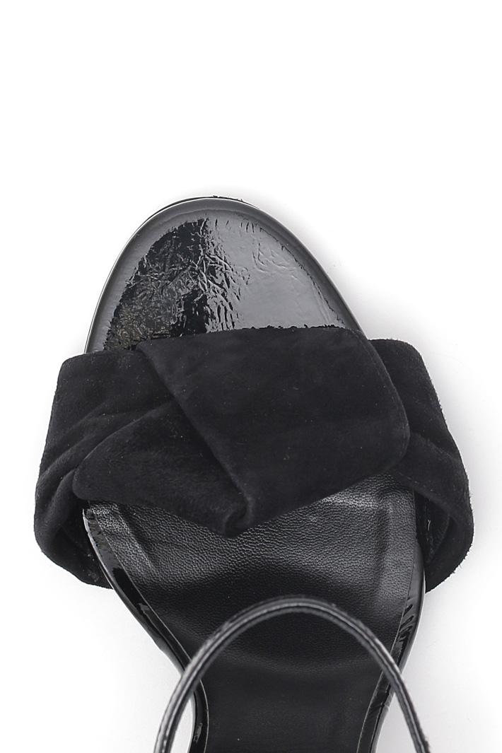 Sandalo alto in vernice Diffusione Tessile