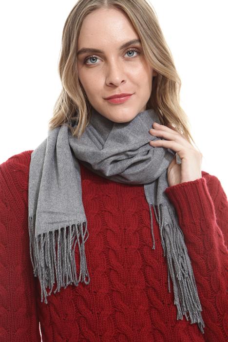 Fringed fluid scarf Diffusione Tessile