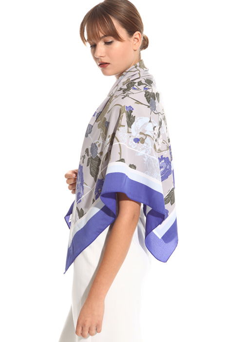 Floral fluid scarf Diffusione Tessile