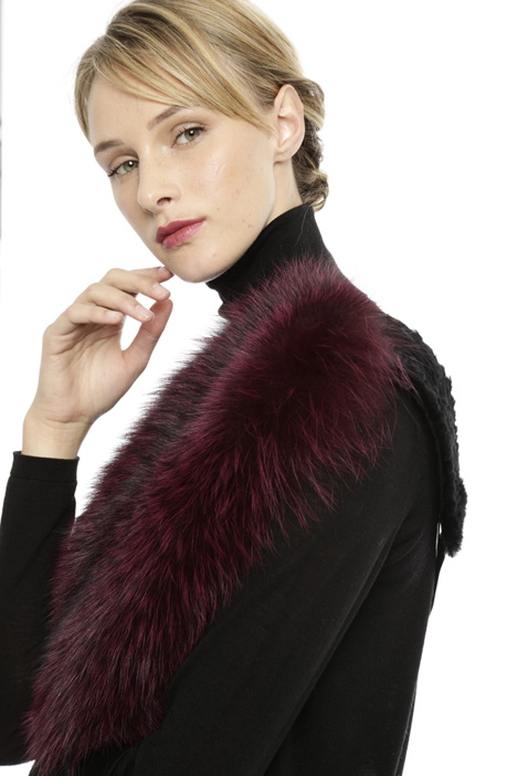 Fox-fur collar  Intrend