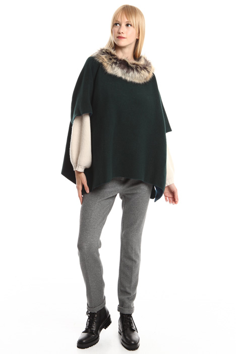 Wool knitted poncho Intrend
