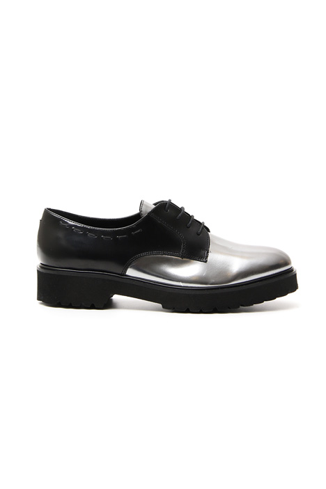 Laminated derby shoes Intrend