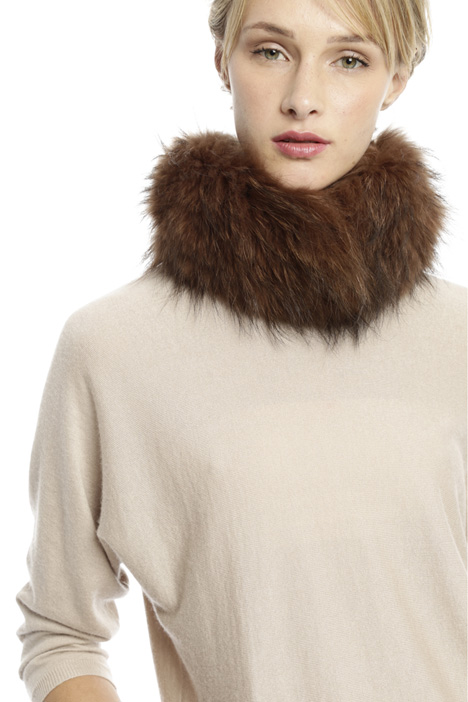 Reversible fur circle scarf Diffusione Tessile