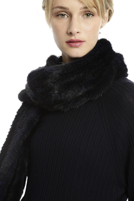 Mink scarf with pocket Diffusione Tessile
