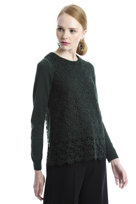 Wool sweater and macramé top Intrend