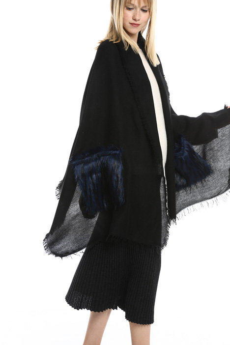 Stola con tasche in pelliccia Diffusione Tessile