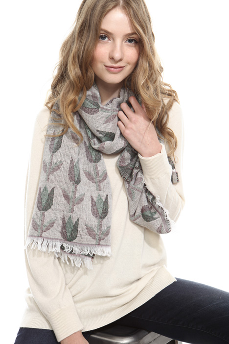 Patterned scarf Diffusione Tessile