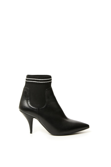 Pointed toe leather boots Diffusione Tessile
