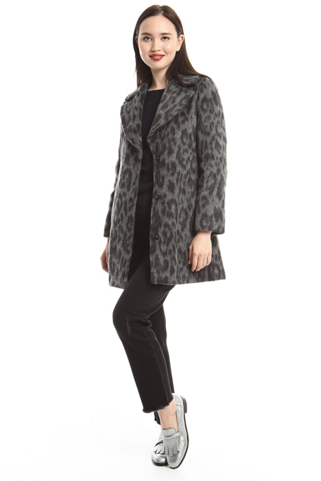 Animalier jacquard coat Intrend