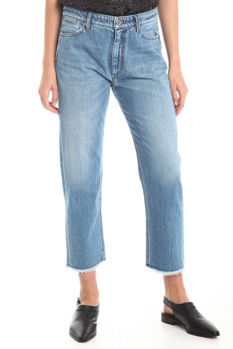 Cropped jeans with fringes  Intrend