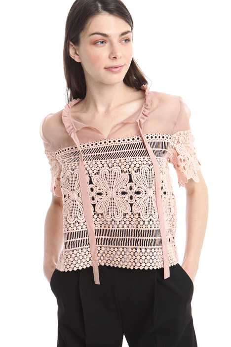 Top in macramé e organza Intrend