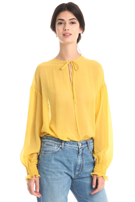 Oversized crepe blouse Intrend