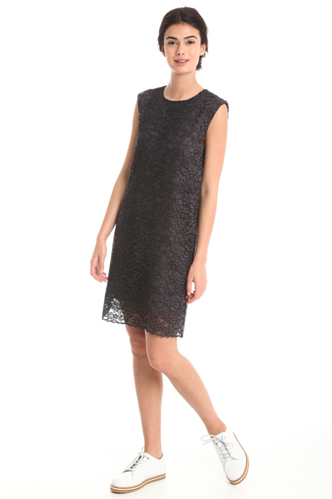 Laminated lace dress  Intrend