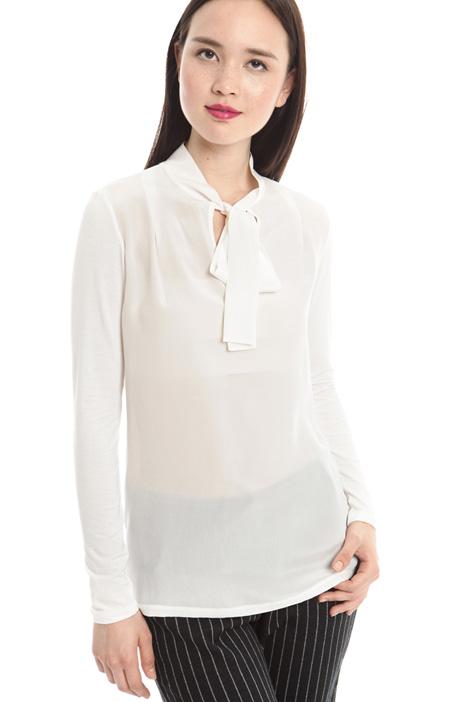 T-shirt con collo a sciarpa Diffusione Tessile