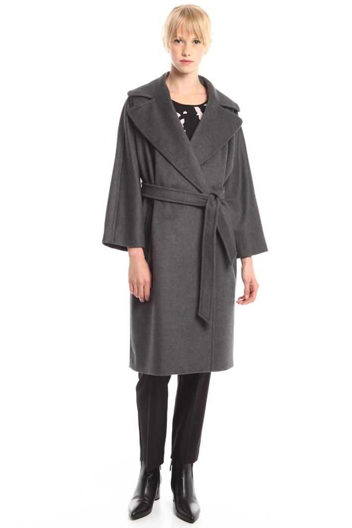 Cappotto con maxi revers Diffusione Tessile