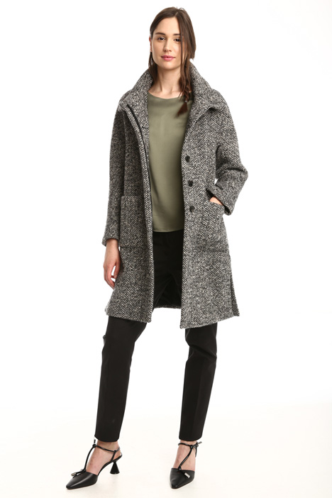 Patterned bouclé coat Diffusione Tessile