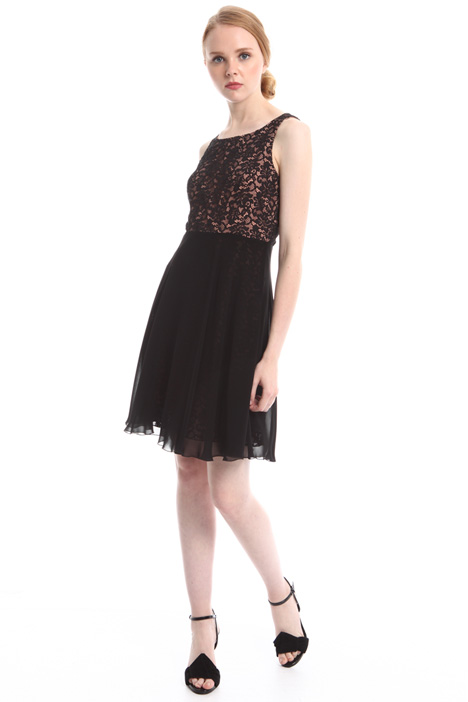 Lace bodice dress Intrend