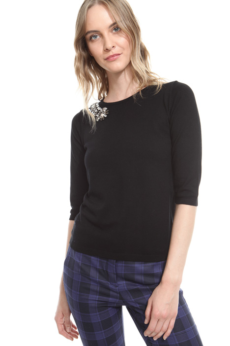 Sweater with jewel accents Intrend
