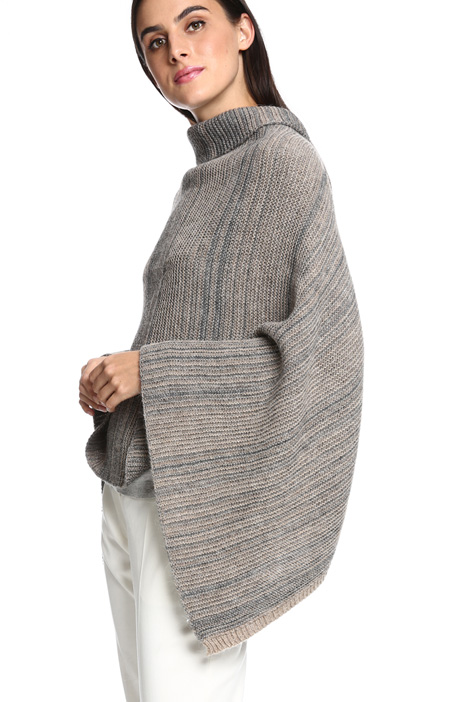 Knitted poncho Diffusione Tessile