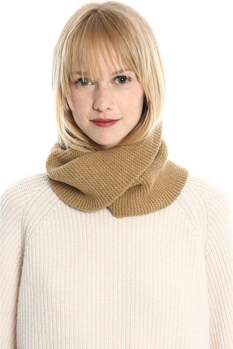 Collo in lana con incrocio