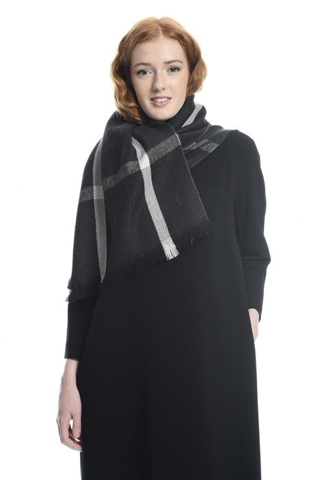 Lightweight wool scarf Diffusione Tessile