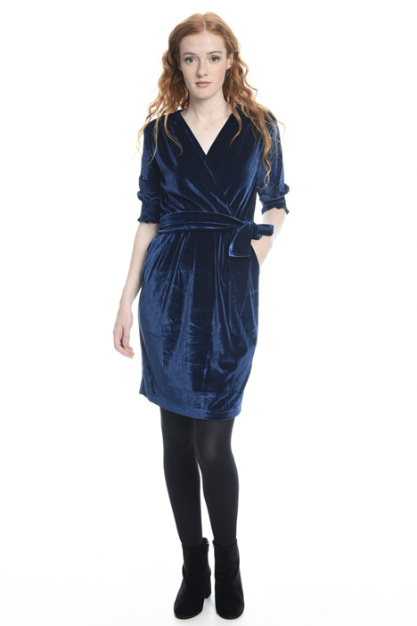 Short velvet dress Intrend
