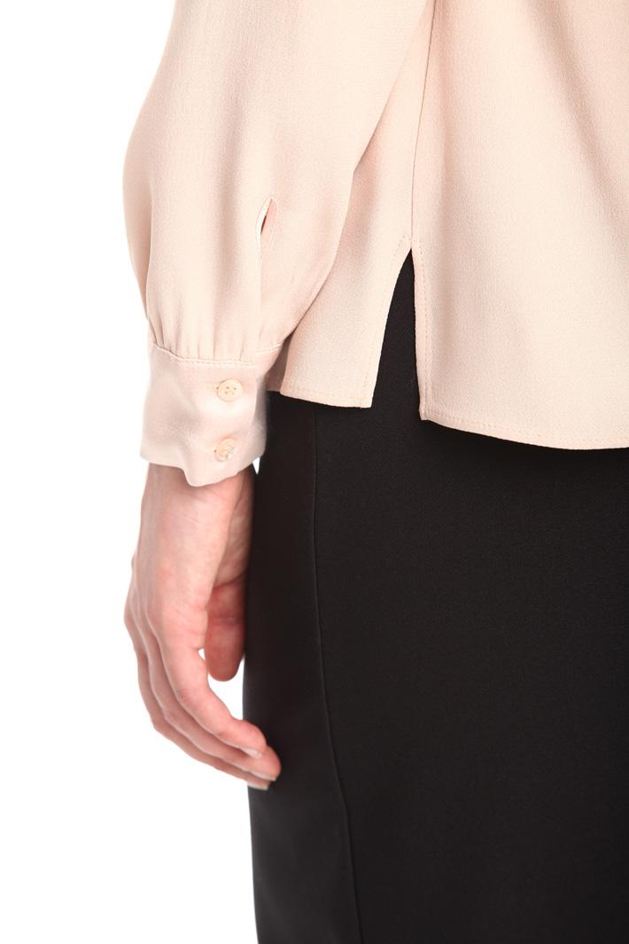 Blusa in crepe enver satin Diffusione Tessile