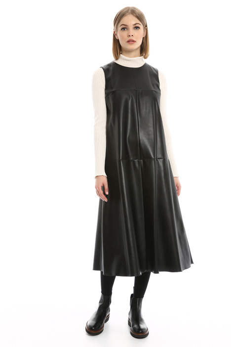 Dress in coated fabric Intrend
