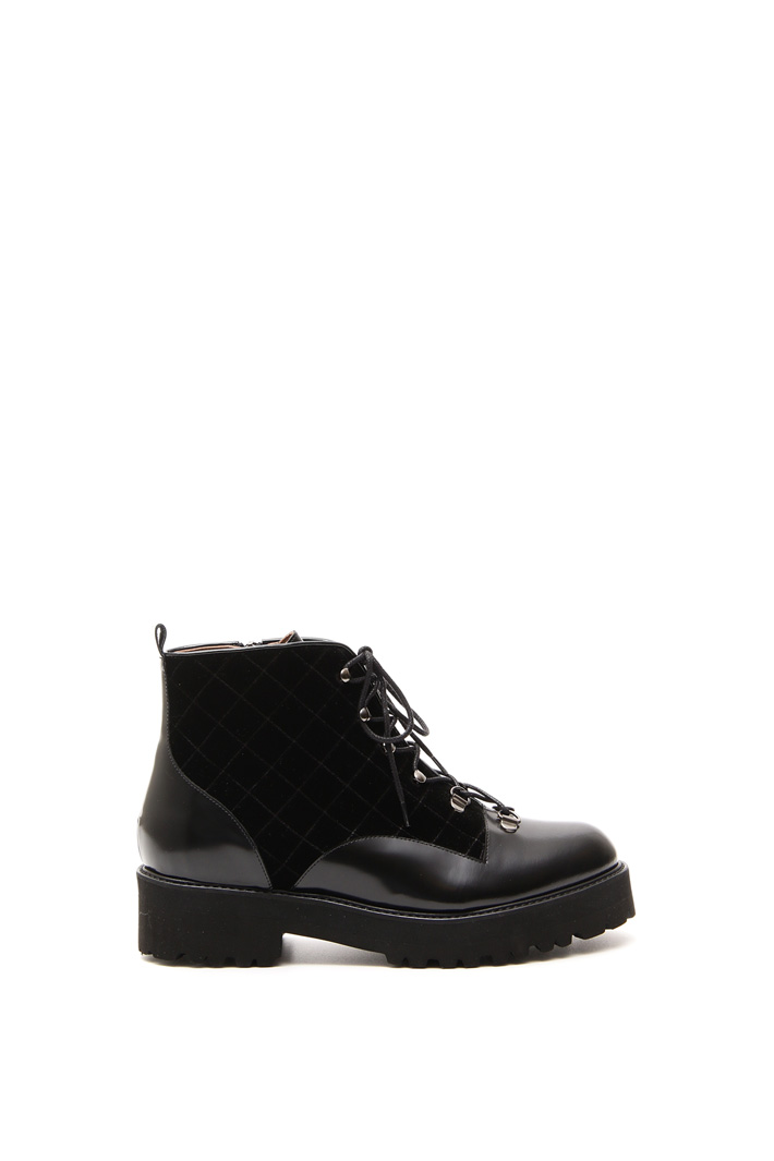 Waterproof leather boots Intrend