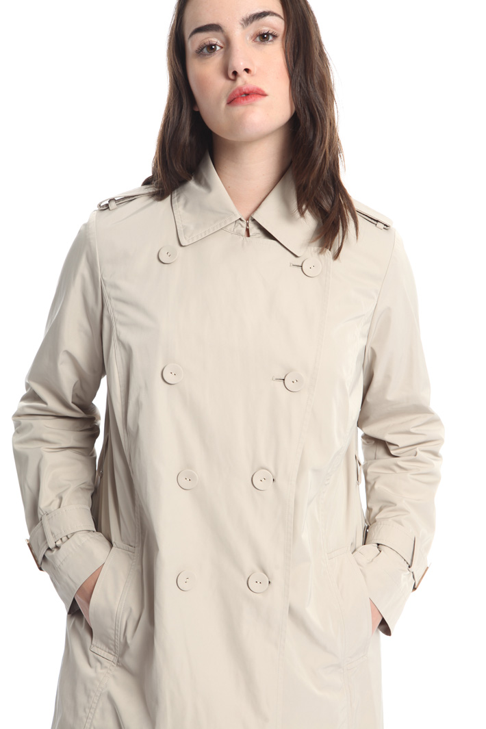 Trench in technical fabric Intrend