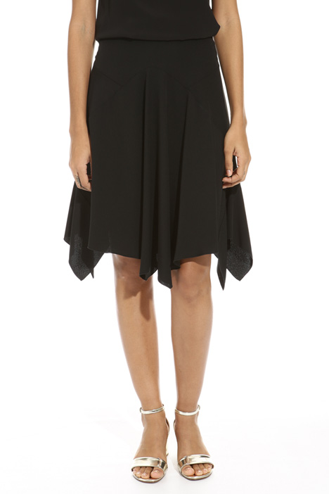 Asymmetrical hem skirt Intrend