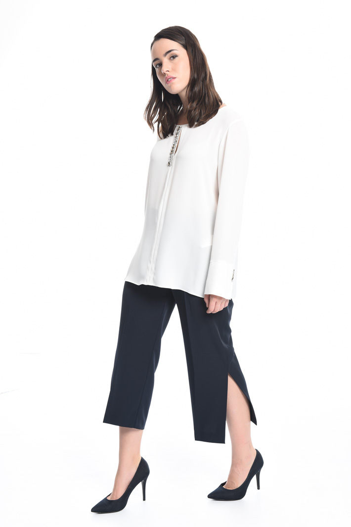 Cropped trousers with slits Intrend