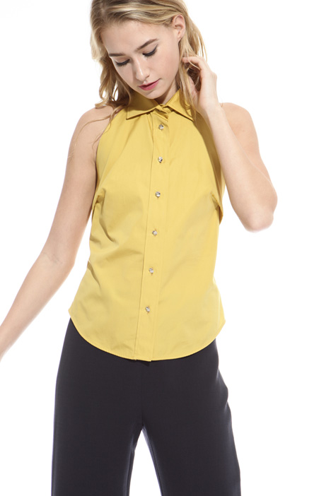 Jewel-style button top Intrend