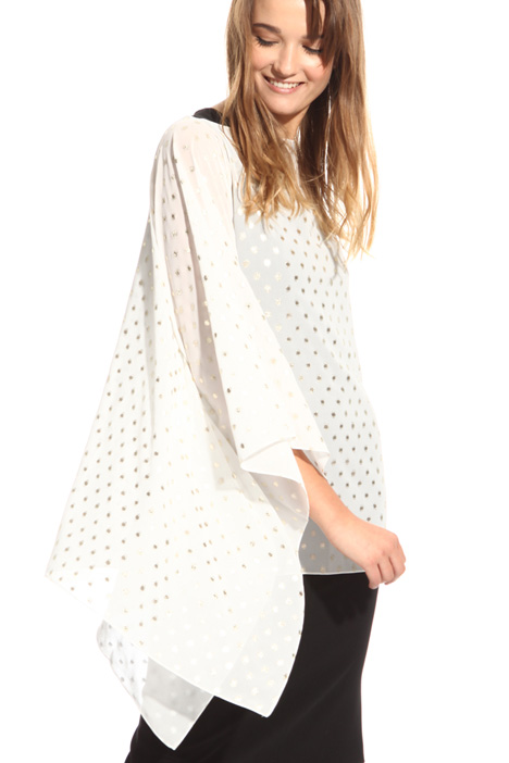 Laminated polka-dot cape Intrend