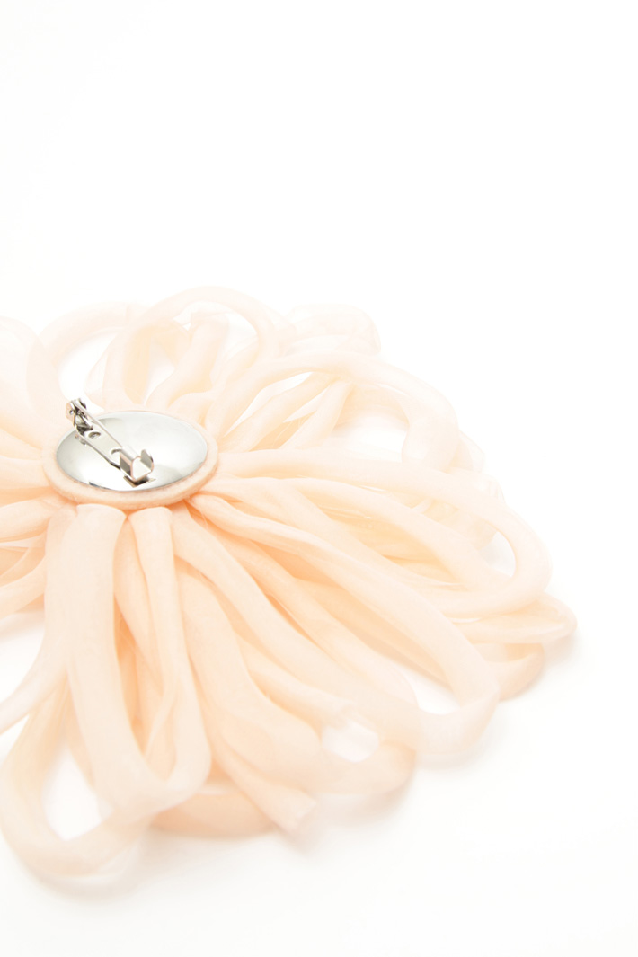 Organza flower brooch Diffusione Tessile
