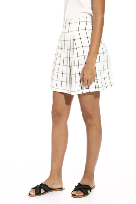 Short checked trousers Intrend