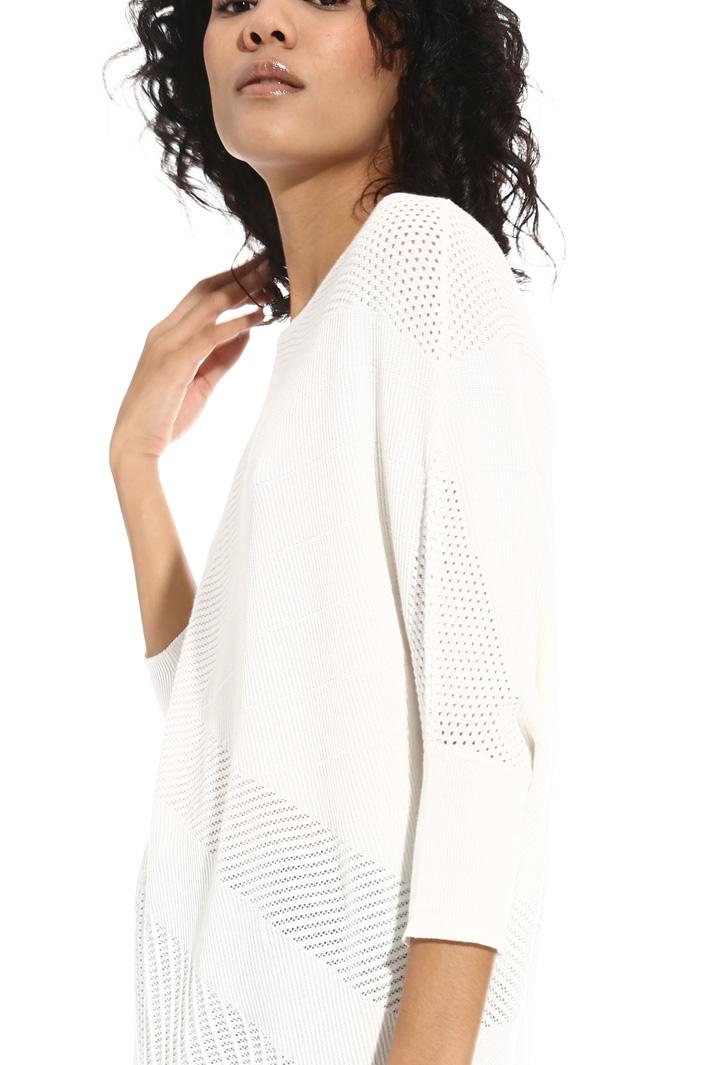 Asymmetrical mesh sweater Intrend