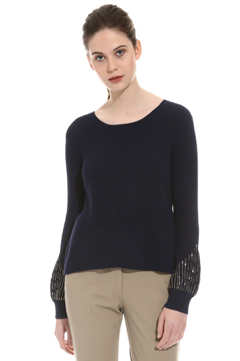 Embroidered sleeve sweater Intrend