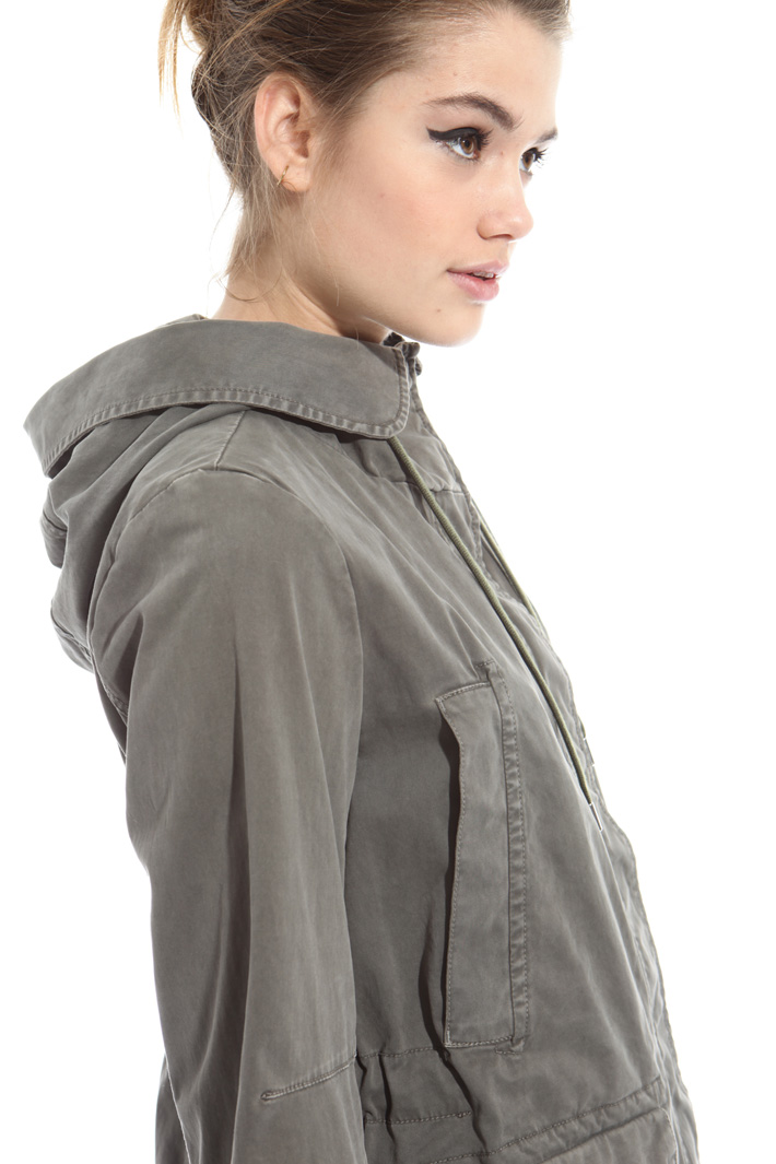 Polished satin parka Intrend