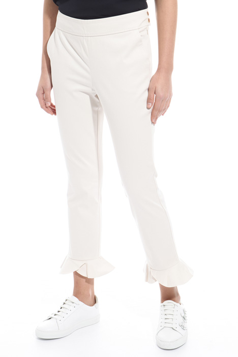 Frilled hem trousers Intrend
