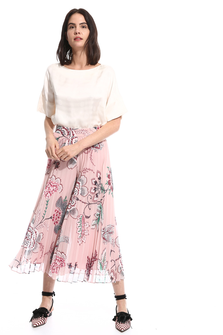 Pleated divided skirt Intrend
