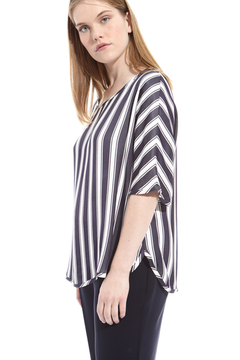 Fluid viscose blouse Intrend