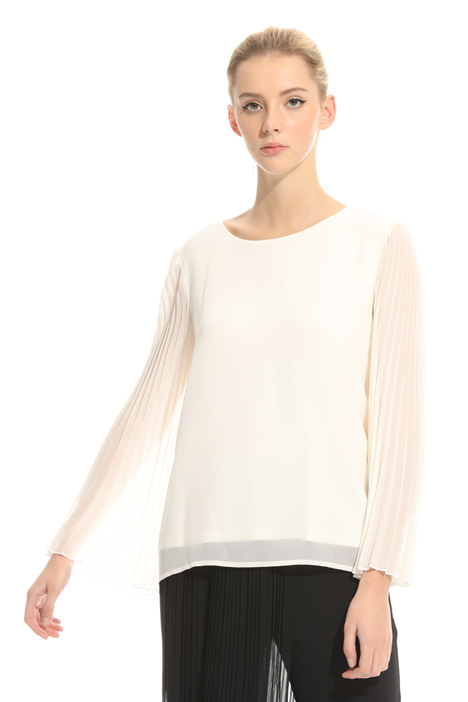 Blouse with pleated sleeves  Diffusione Tessile