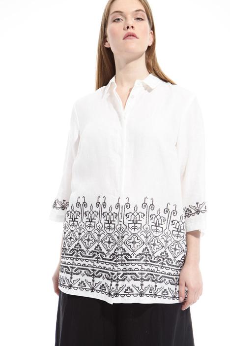 Camicia con ricamo a contrasto Diffusione Tessile