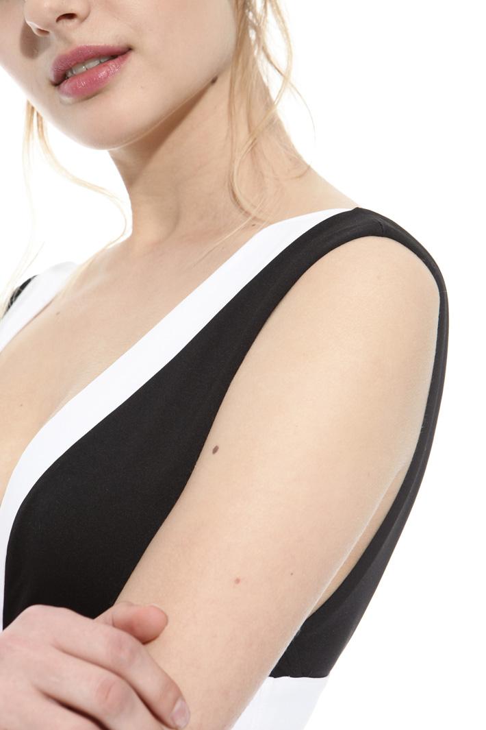 V-neck swimsuit Intrend
