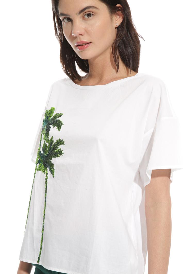 T-shirt con ricamo paillettes Intrend